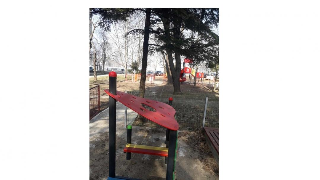 38 детски площадки и спортни съоръжения са ремонтирани през изминалия месец в Община Русе