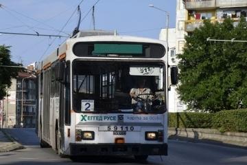 Във връзка с ремонтните дейности по ключови булеварди е възможно забавяне по тролейбусните линии в града