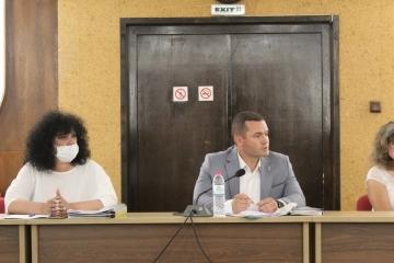 Кметът на Община Русе Пенчо Милков подкрепи кметовете на по-малките населени места в областта на среща с председателя на УС на АПИ