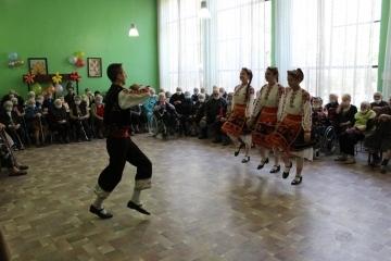 С празнични изпълнения беше почетен Денят на възрастните хора в Русе