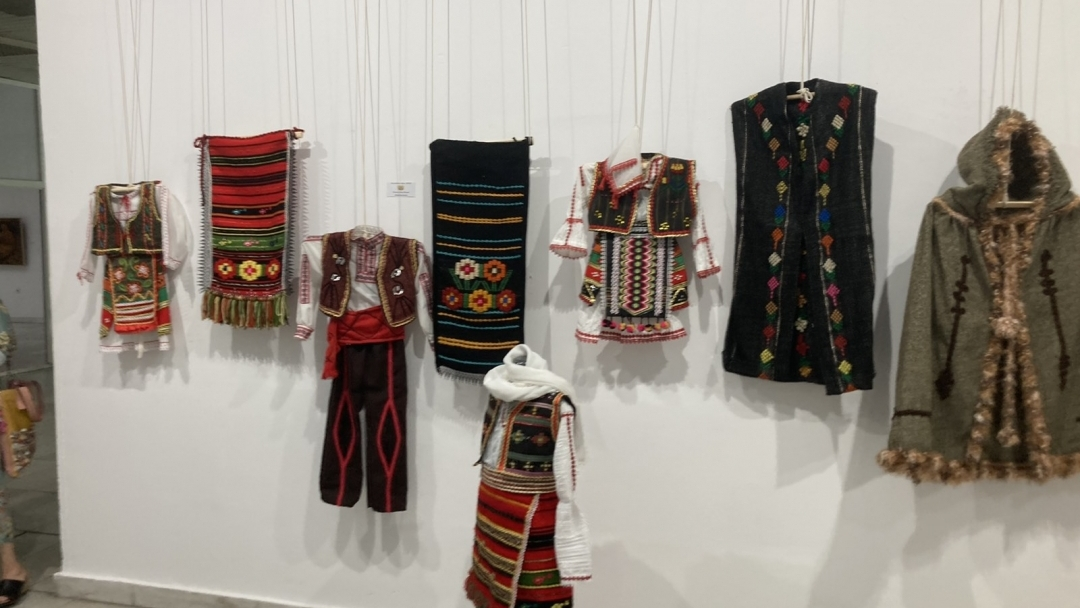 Русенските, софийските и врачанските майстори се обединиха в обща изложба в град Русе