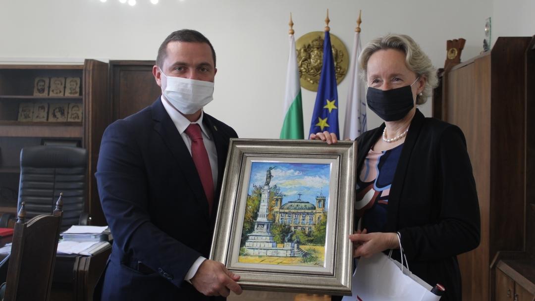 Ръководството на Община Русе посрещна посланика на Република Австрия
