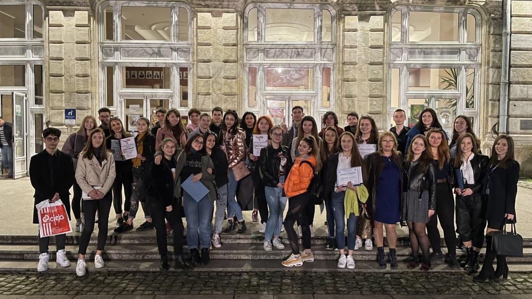 """""""А сега накъде"""" – събитие от студенти за ученици организира Младежкият дом в Русе"""