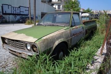 Община Русе апелира гражданите доброволно да премахнат старите си автомобили от улиците и междублоковите пространства