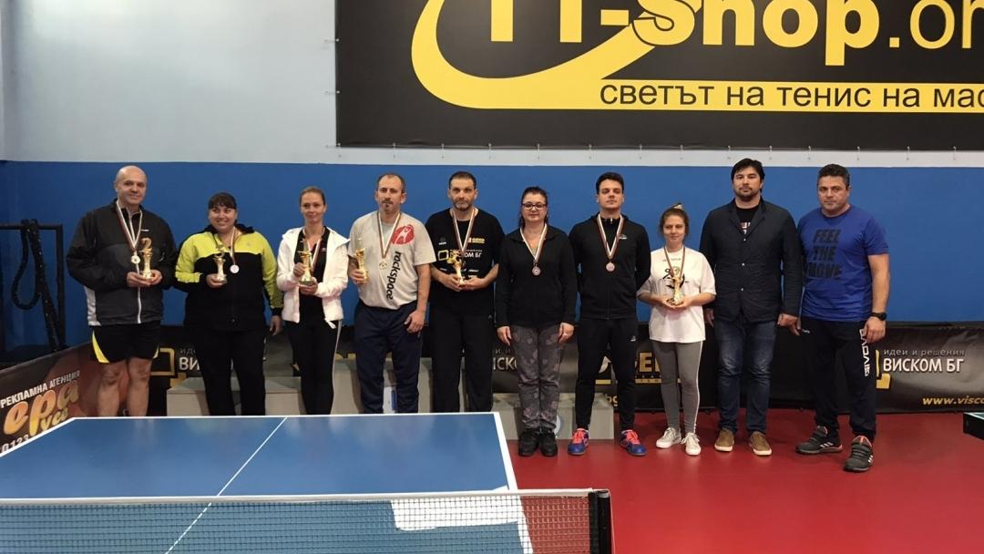 Над 30 състезатели участваха в турнир по тенис на маса в неделя