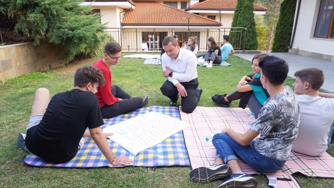 Пенчо Милков към Младежки парламент Русе: От вас зависи бъдещето на този град