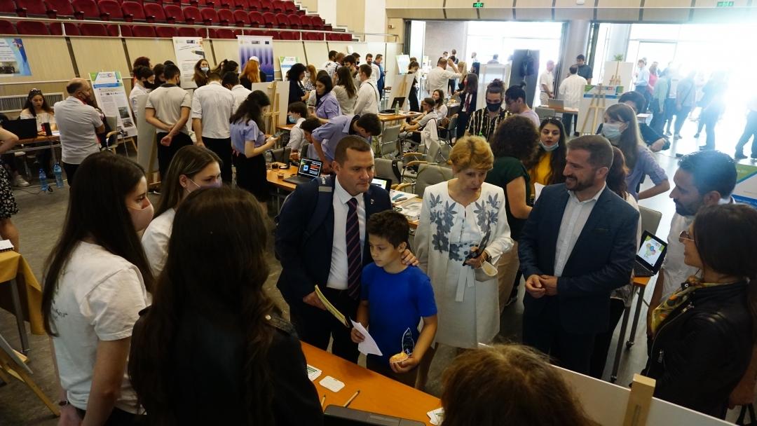 Русенският университет представи своето Иновативно младежко експо