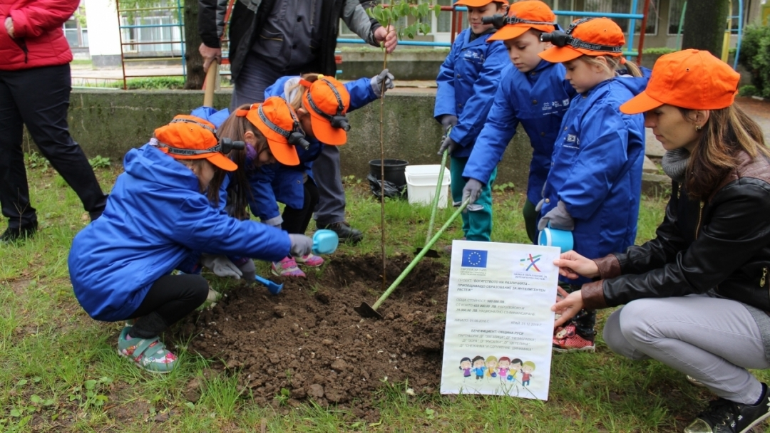 Малчугани от детски градини участваха в зелена мисия