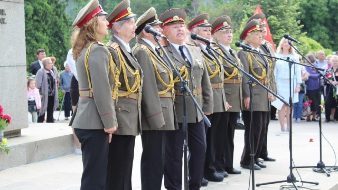 Кметът Пламен Стоилов присъства на церемонията за Деня на победата