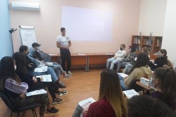 Екипът на Превантивно-информационния център работи с 24 училища в Русе за превенция на наркотиците