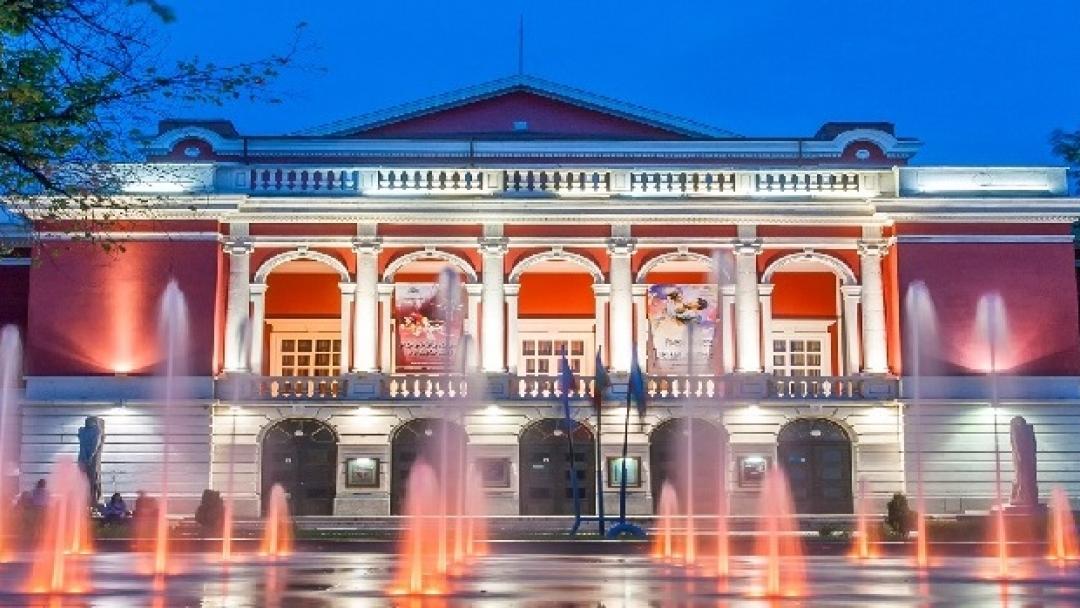 """За втора поредна година Община Русе и Държавна опера – Русе ще подарят на гражданите """"Опера под звездите"""""""