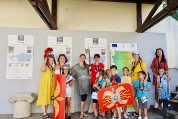 """Децата от """"Лятното училище"""" се върнаха назад във времето с посещение на крепостта """"Сексагинта Приста"""""""