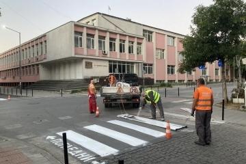 Маркират пешеходните пътеки до всяко русенско училище и градина. В 5 от училищата завършват ремонтните дейности