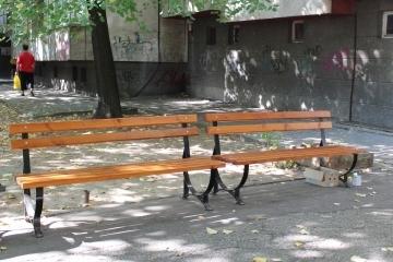 39 нови пейки бяха разположени в кварталите на Русе
