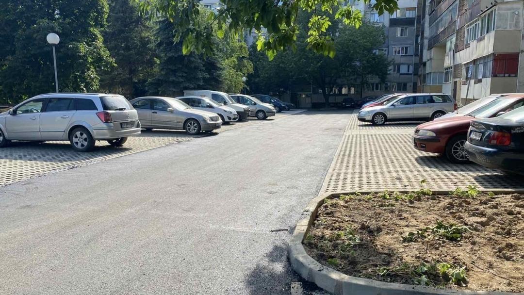 Детски и фитнес площадки, ново осветление и асфалтирани междублокови алеи са изградени в кварталите на Русе до момента