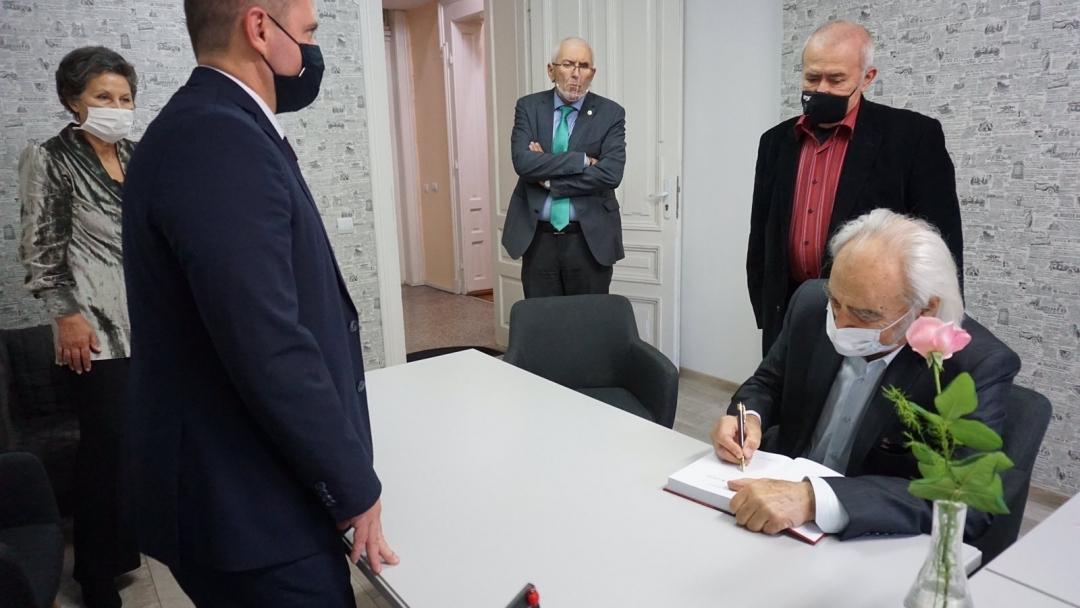 Русе чества 90-годишния юбилей на акад. Антон Дончев