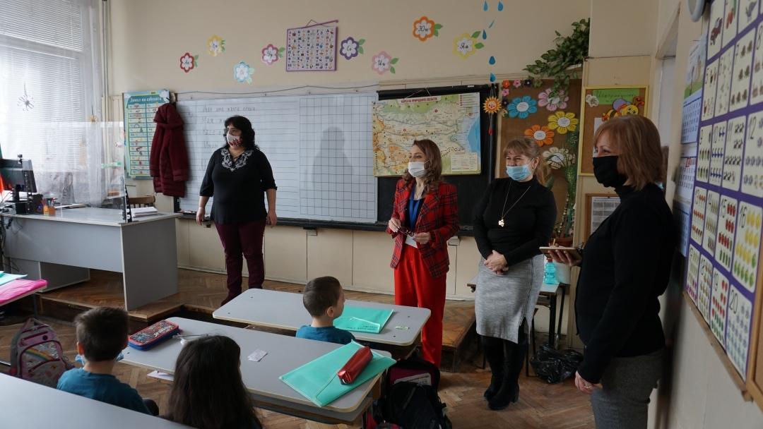 Община Русе се самосезира – проверява русенските училища и доставките на закуска в тях