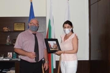 Експерт от МОН на посещение в Община Русе