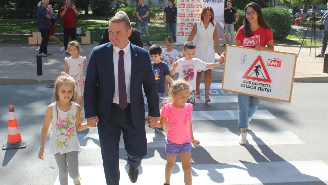"""Пешеходни пътеки се маркират днес и утре като част от кампанията """"Убий скоростта, спаси дете"""""""