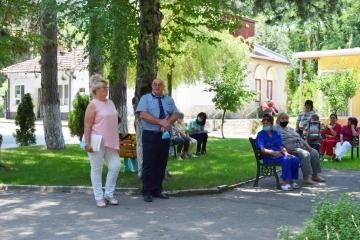 """Заместник-кметът Енчо Енчев благодари на целия екип от Дом """"Приста"""" – Русе за усърдието и добрата работа по време на пандемията"""