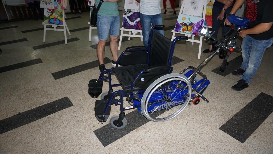 """ОУ """"Тома Кърджиев"""" е едно от четирите училища в Русе с устройство за изкачване на стълби за деца със специални потребности"""