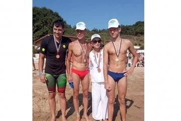 Теодор и Валентин Цветкови подкрепиха благотворителен плувен маратон в Бургас