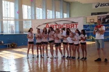 """Кметът Пенчо Милков награди държавните шампиони по волейбол. Сашо Тодоров бе отличен със """"Заслужил треньор"""""""