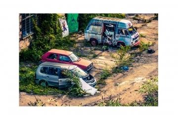 Инспектори от Община Русе маркираха първите 19 стари автомобила за преместване