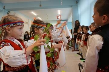 "Концерт-спектакъл под наслов ""Пролетно веселие"" изнесоха децата от ДГ ""Пинокио"" в Русе"